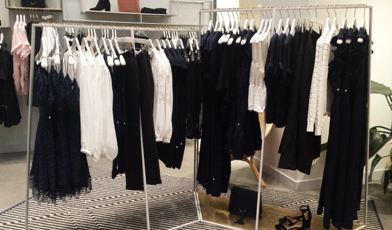 Visual Merchandising moda tienda WHISTLES Londres
